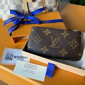 SOLD ♥️ Louis Vuitton Monogram Keypouch
